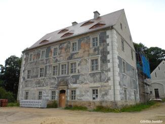 Schloss-Ober-Neundorf-mit-Sgraffito-Dekoration