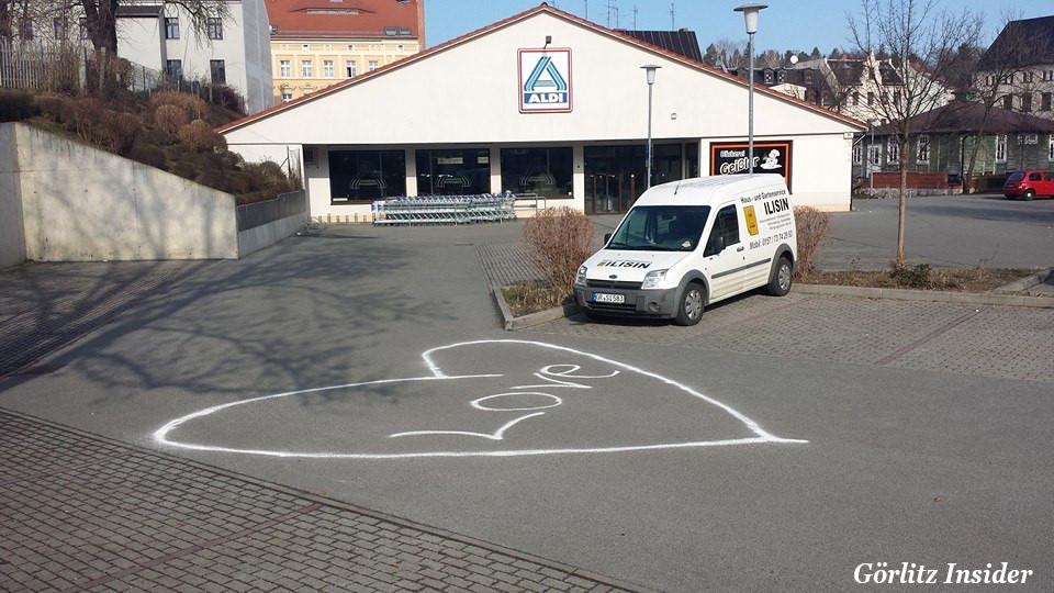 Herz Aldi Parkplatz Görlitz