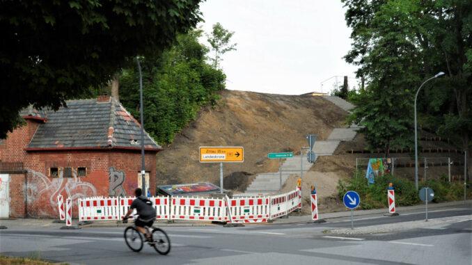 Brautwiesenbogen-Zugang-Brautwiesenplatz-Treppe